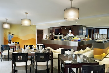 City Seasons Towers - Breakfast Area  - #0