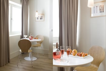 Ascensor da Bica - Lisbon Serviced Apartments - In-Room Dining  - #0