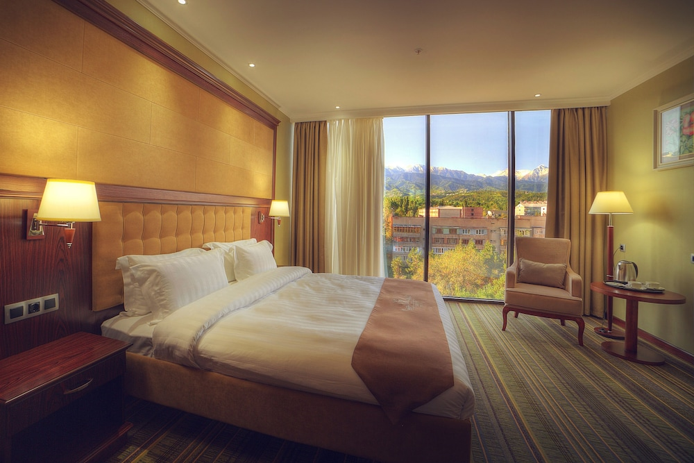 Shera Park Inn Hotel