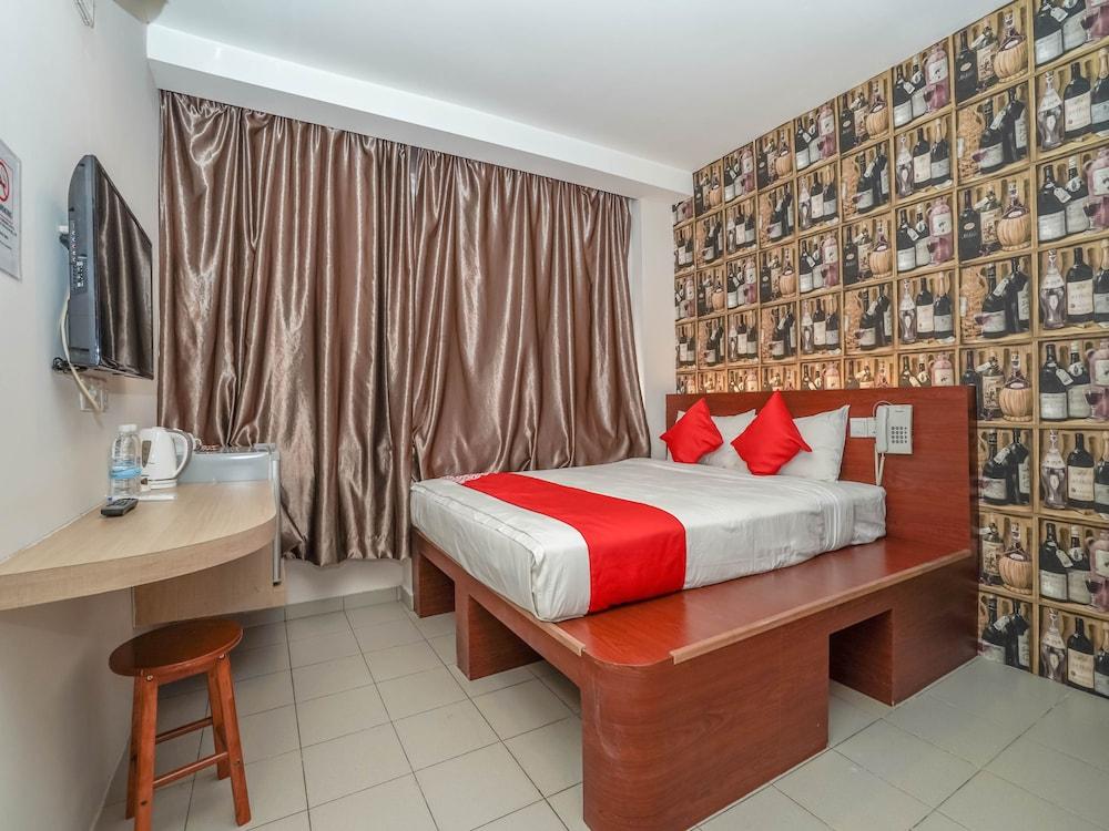 OYO 43968 Sh Hotel Pudu