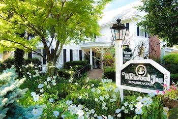 Wickwood Inn in Saugatuck, Michigan