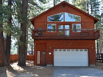 1010 Tahoe Island - 4 Br Home in South Lake Tahoe, California