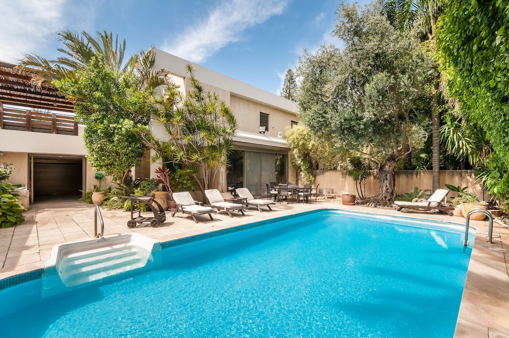 Villa - Herzliya Pituah
