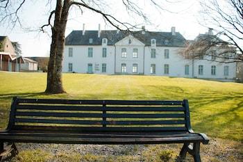 tarifs reservation hotels SURPRENANTES - Château du Pé