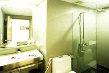 Charner Hotel - Bathroom  - #0