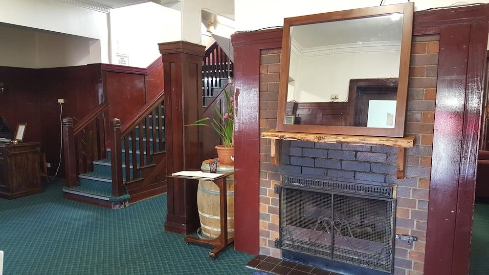 Tenterfield Royal Hotel Motel