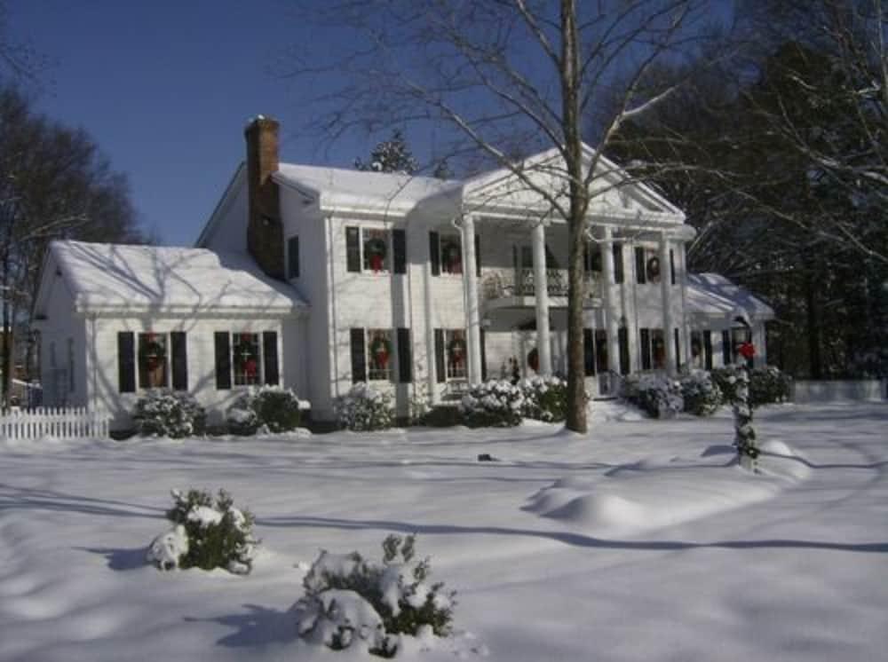 The Virginia Cliffe Inn