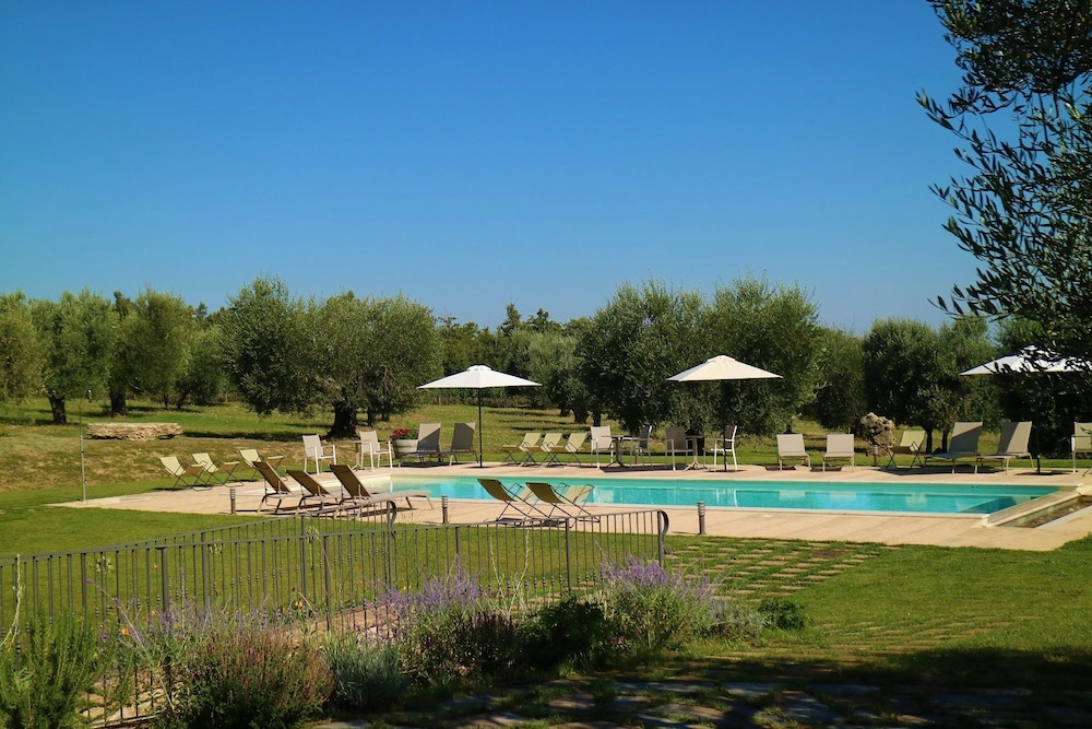 Le Buche Wine Resort & Spa