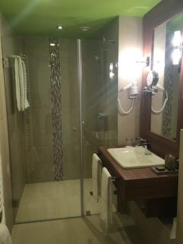 Castellum Hotel Hollókő - Bathroom  - #0