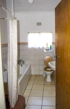 Avoca Vale Country Hotel - Bathroom  - #0