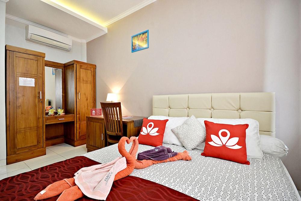 ZEN Rooms Tebet Gudang Peluru