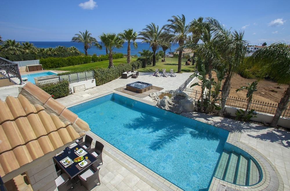 Blue Water Villas