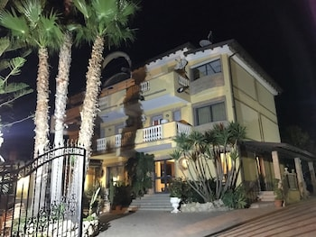 Hotel Ristorante L'Orizzonte - Featured Image  - #0