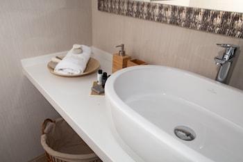 Blue Horizon Villa & Suites - Bathroom Sink  - #0