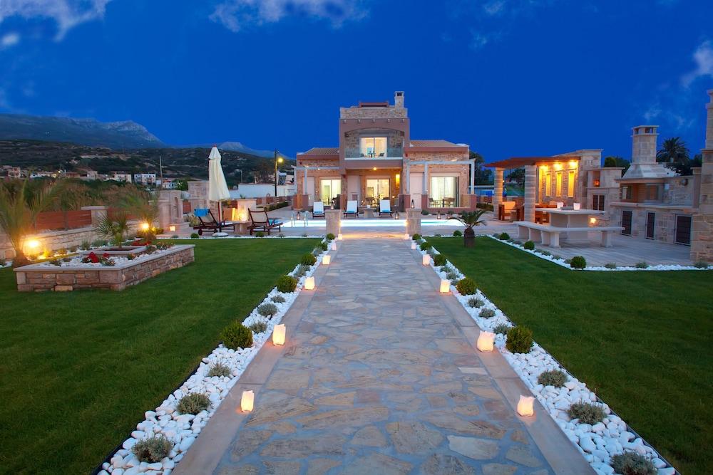 Blue Horizon Villa & Suites