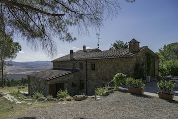 Photo for Il Chiesino Bed and Breakfast in Montecatini Val di Cecina
