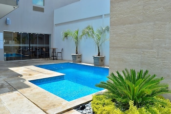 Best Western Plus Aeropuerto Monclova-Frontera - Outdoor Pool  - #0