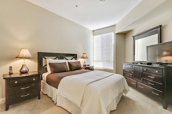 Global Luxury Suites at Lincoln Blvd in Marina del Rey, California