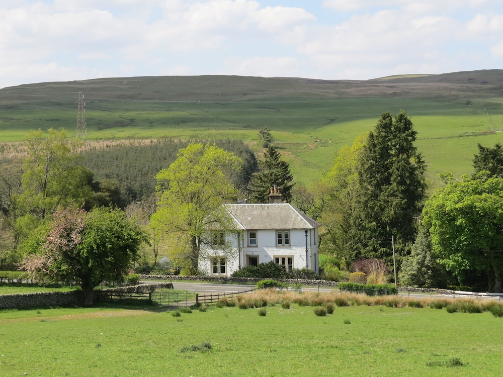 Colterscleuch House & Cottage