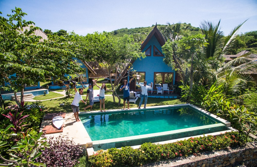 Blue Monkey Villas Resort & Ocean View