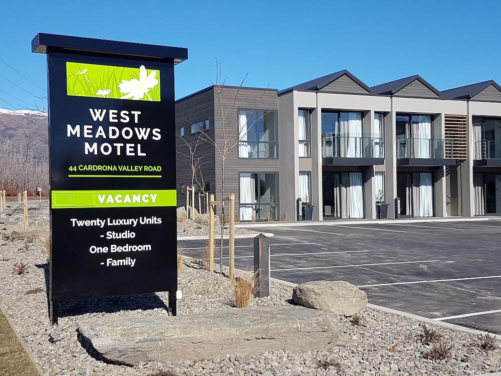 West Meadows Motel