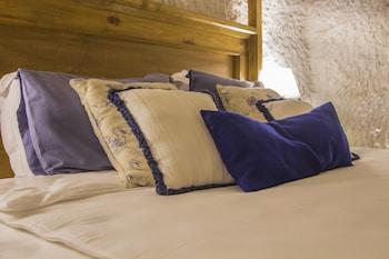 Azure Cave Suites - Guestroom  - #0