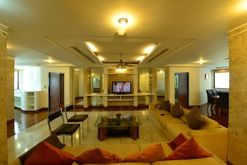 Luxury 3 bedroom Condo in Downtown Bangkok (593708) photo