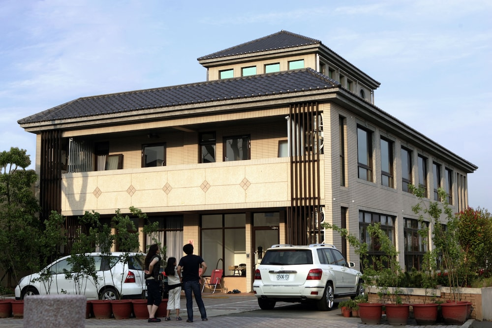 Lütel Hotel - THSR Taoyuan - TYMETRO A18 Taoyuan HSR Station