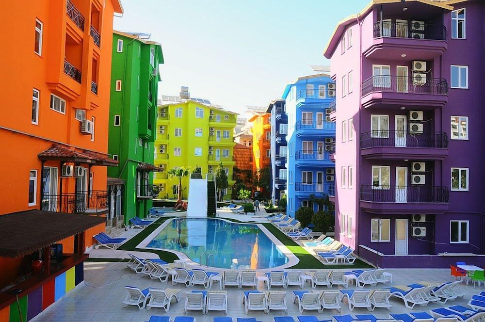 Rainbow Castle Hotel