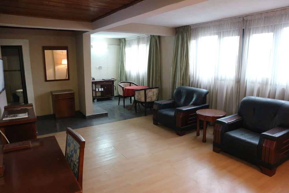 El-Elyon Hotel