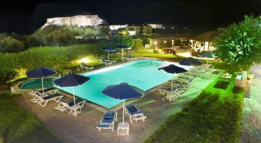 Eleni Apart-Hotel