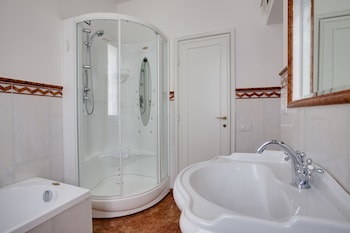 Kometa Suites & Apartments - Bathroom  - #0