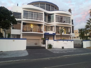 Photo for Bread & Barrel Palazzo Blouberg in Cape Town