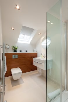 Atholl Apartments - Bathroom Shower  - #0