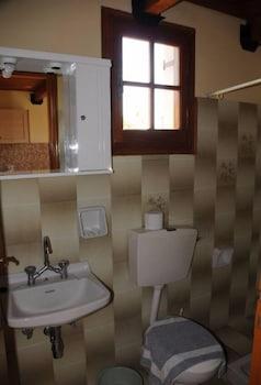 Helena's Studios - Bathroom  - #0