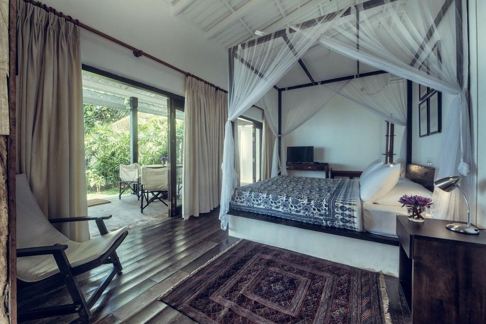 Taru Villas River Cottage