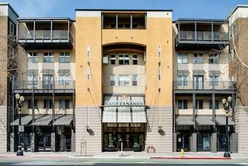 Global Luxury Suites at San Fernando in San Jose, California