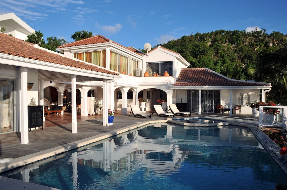 St Tropez by RedAwning
