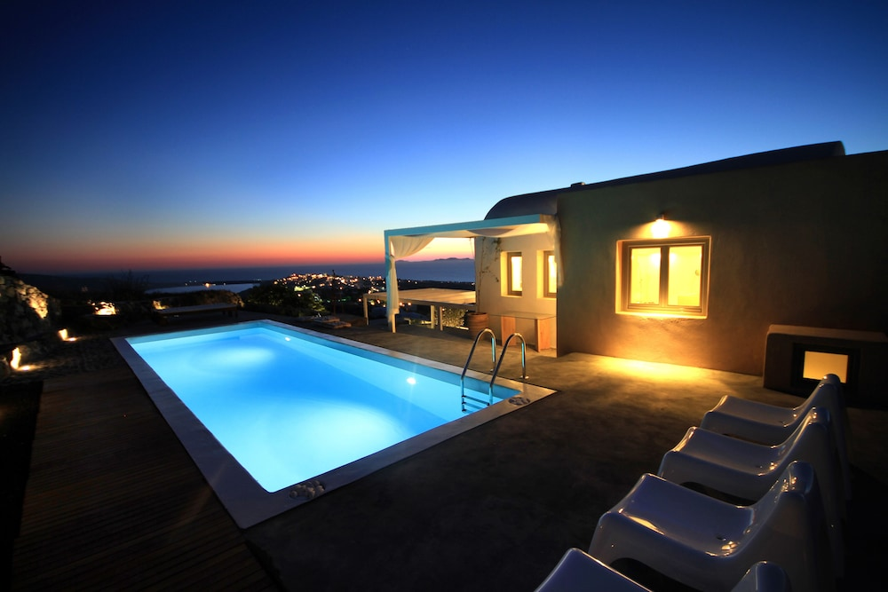 270 Oia's View