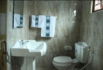 Roxana Holiday Inn - Bathroom  - #0