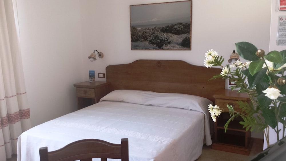 Bellamarina Resort
