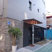 弘大區陽光丘陵青年旅舍