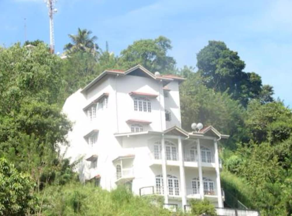 Vista Kandyan Crown