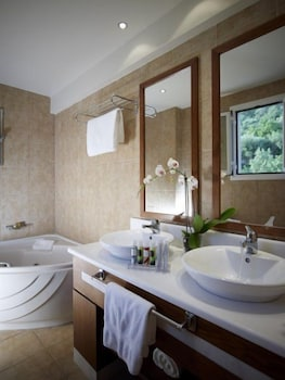 Belle Helene Hotel - Bathroom  - #0