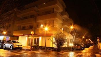 伊拉裡奧套房住宅飯店