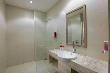 favehotel Banjarbaru - Banjarmasin - Bathroom Shower  - #0