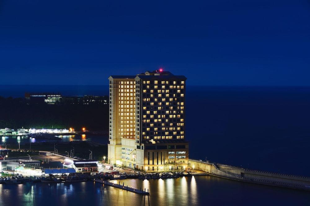 Ramada Sokcho Hotel
