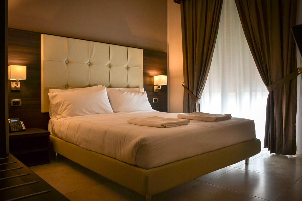 Brain Rooms & Suite
