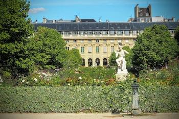 Louvre Elegant ChicSuites