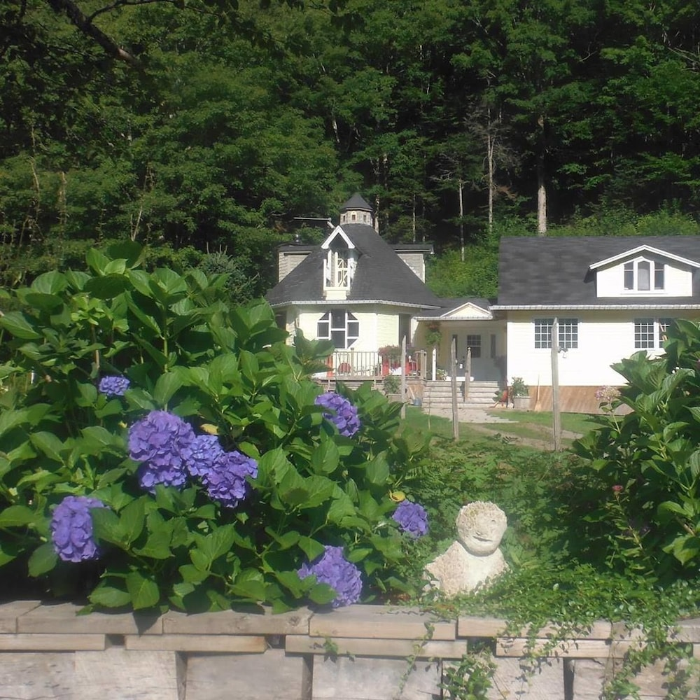 Big Intervale Fishing Lodge